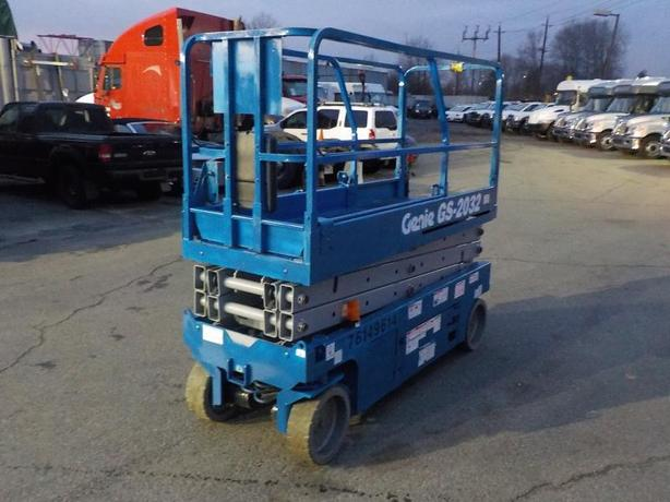 2012 Genie GS-2032 Scissor Lift Electric