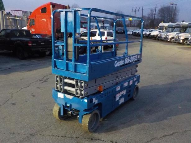 2012 Genie GS-2032 Scissor Lift Electric