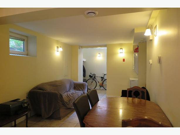 PERFECT STUDENT SUBLET