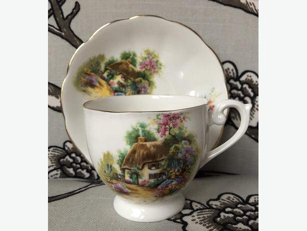 Queen Anne Hand-Painted Homestead Cottage Scene Fine Bone China Teacup & Saucer