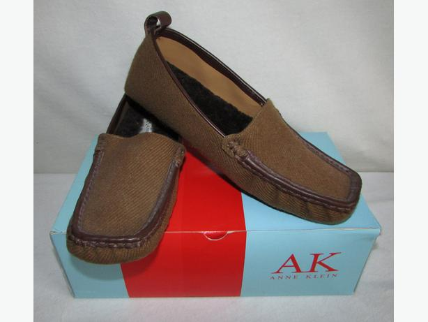 ANNE KLEIN Tan Faux Suede Faux Fur Lined Loafer Slippers - 6, 6.5, 7 - NIB