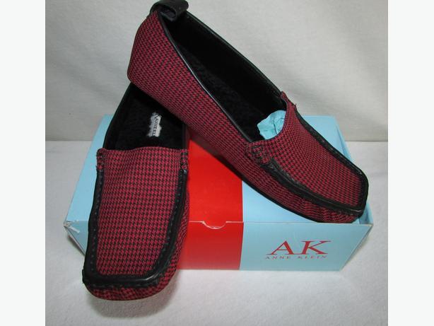 ANNE KLEIN Red Herringbone Faux Fur Loafer Slippers - 6.5, 7,7.5