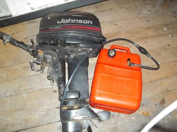 25 hp johnson outboard motor and tank