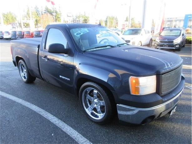 2007 GMC Sierra 1500 LS Regular Cab Low Kilometers