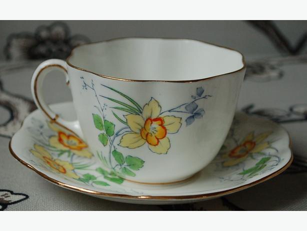 Vintage Taylor and Kent 1930's English Fine China Daffodil Teacup & Saucer