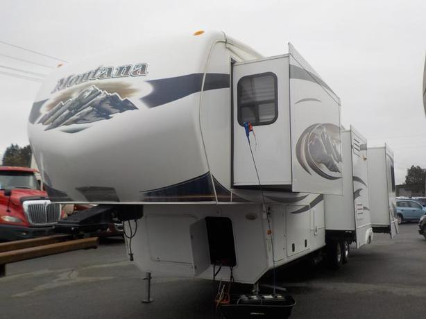 2011 Keystone Montana 3400RL Fifth Wheel Travel Trailer with 4 Slides