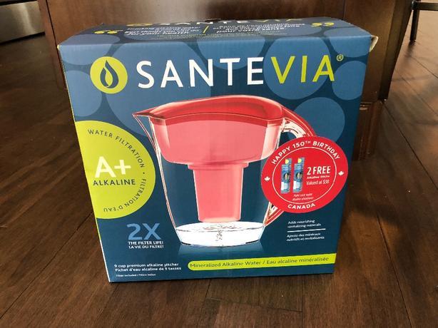 SanteVia - 9 cup premium alkaline pitcher w/ 2 alkaline sticks