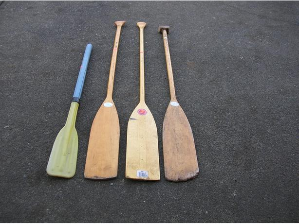 CANOE PADDLE and SMALL BOAT OARS.    (035 4411)