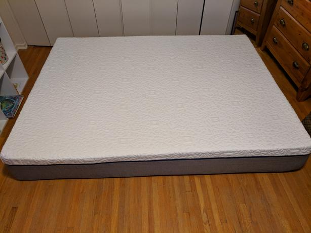 Queensize memory foam mattress