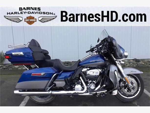 2017 Harley-Davidson® FLHTKL - Ultra Limited Low