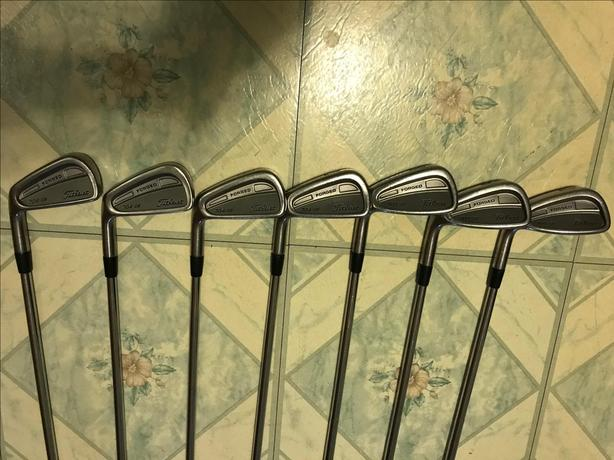 Titleist 704 CB iron set 4 to PW  left hand R flex