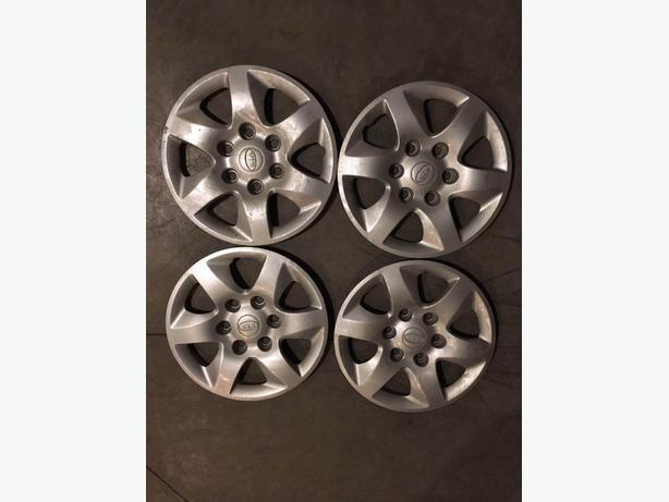 4 like-new 16 in OEM wheel covers