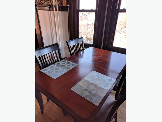 Solid Wood Mahogany Dining Room Kitchen Table and Chair Set