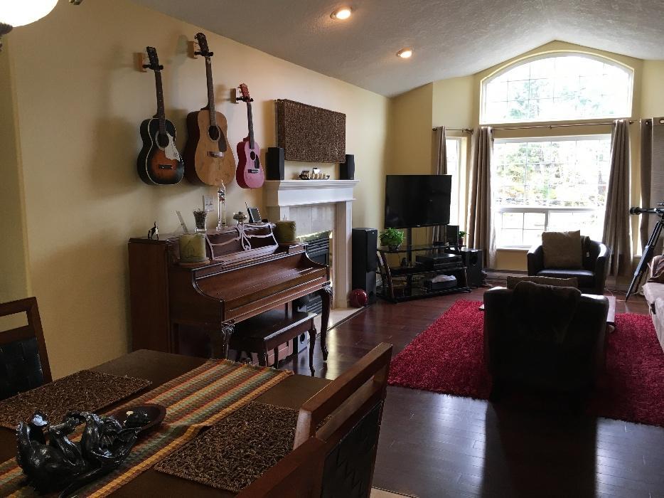 2 Bedroom Upper Beach Toronto