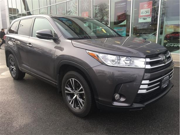 2017 Toyota Highlander LE AWD No Accidents Local Victoria