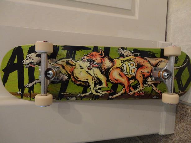 Skateboard - REALLY COOL GRAPHICS!