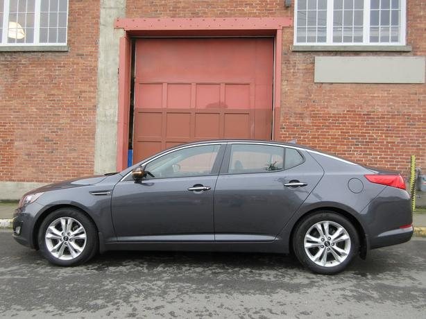2012 Kia Optima EX - FULLY LOADED LEATHER!