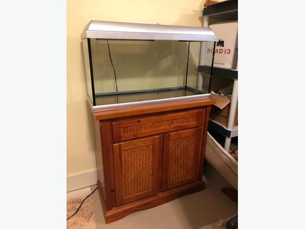 20 Gallon Fish Aquarium - Great Condition - Complete Set
