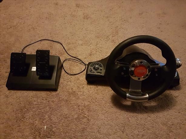 Intec Wireless Racing Wheel and Pedals for PS3, Model G7796