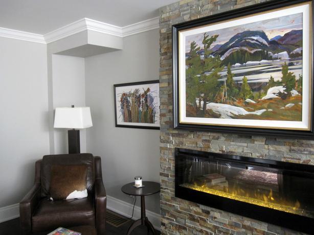 Artsy, Elegance! 3 Bedroom Luxury Modern Home in Etobicoke
