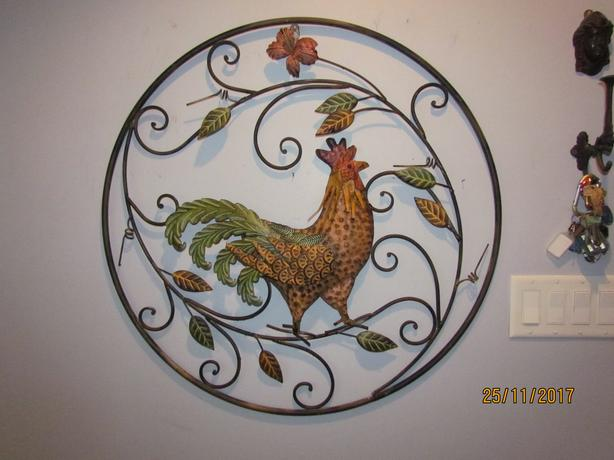 Large 31 Inch Wrought Iron Rooster Chicken Wall Decor Outside
