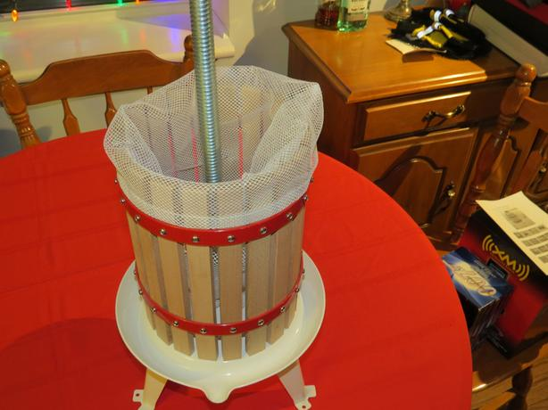 FRUIT PRESS (6 LITRE) FOR SALE