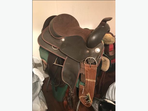 "16"" Western Wintec Saddle"
