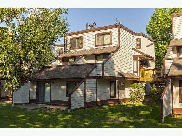 In Calgary Nice 2 bedrooms Queens Park Village Townhomes Available now