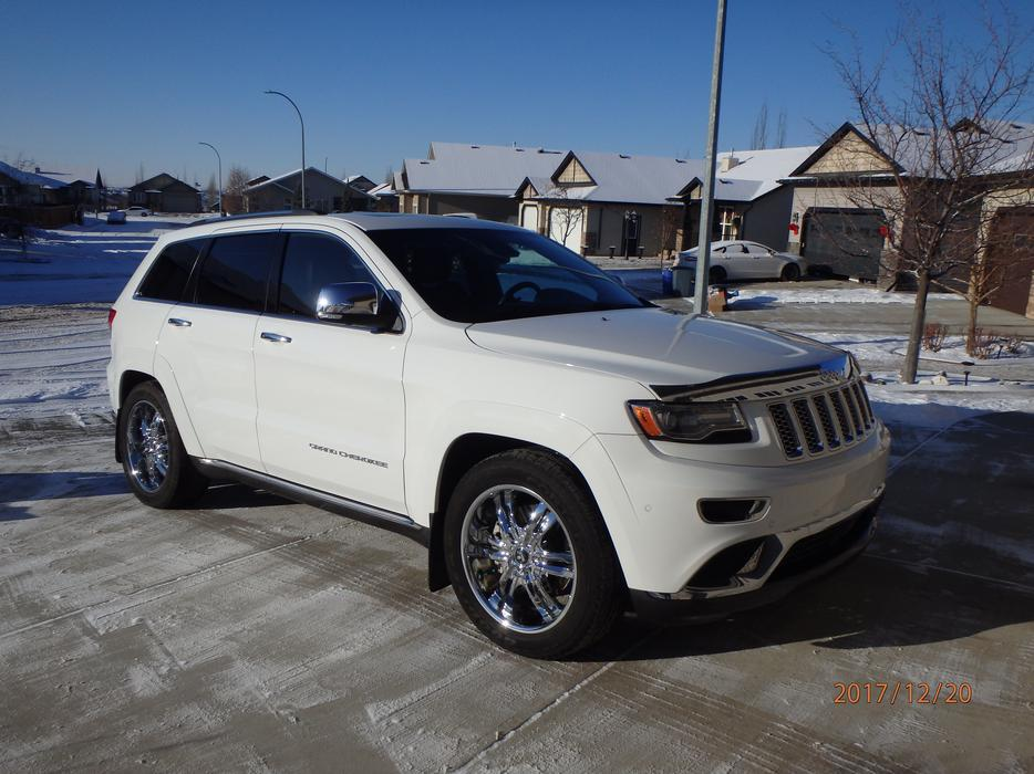 2014 jeep grand cherokee summit 4x4 diesel estevan. Black Bedroom Furniture Sets. Home Design Ideas