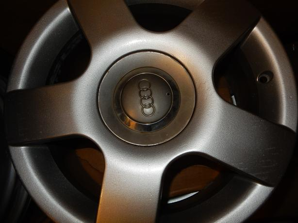 AUDI A4 and VW Vehicles 2001-2005 ALLOY WHEEL (MISSING ONE CAP)