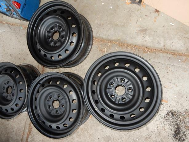Toyota Sienna Steel OEM Rims with covers		Sienna Rims