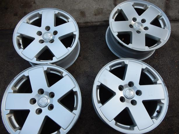 18 inch  JEEP WRANGLER, COMMANDER, GRAND CHEROKEE; OEM RIMS with TPMS.