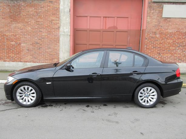 2009 BMW 323i - ON SALE! - FULLY LOADED! - NO ACCIDENTS!