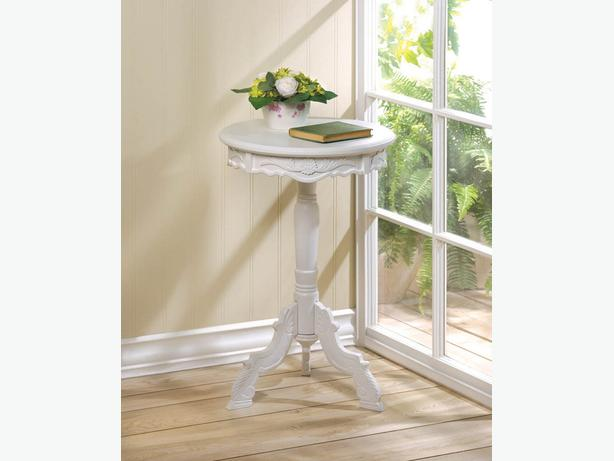 Small White Wood Decorative Round Rococo Romantic Accent Table New