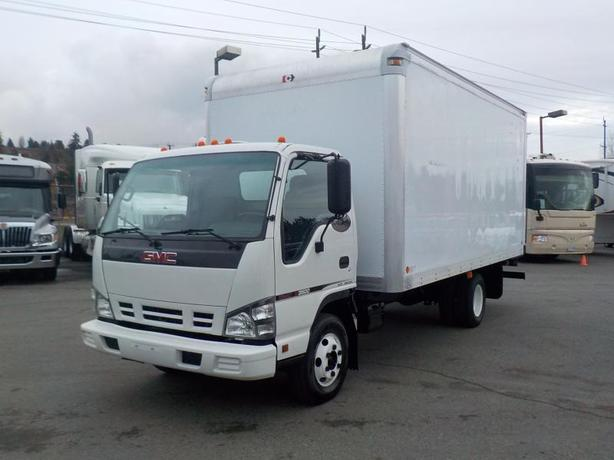 2006 GMC W3500 16 Foot Cube Van Dually Diesel with Ramp