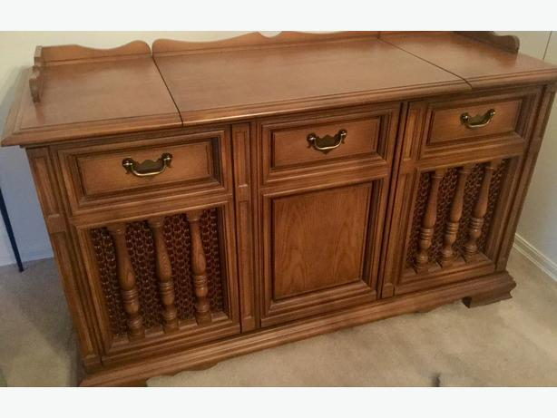 Philips 1960u0027s Solid Wood Cabinet Stereo System