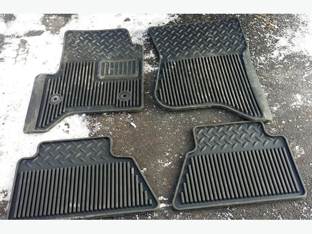Set winter floor mats