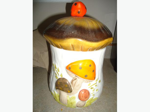 Ceramic Mushroom Shaped Cookie Jar