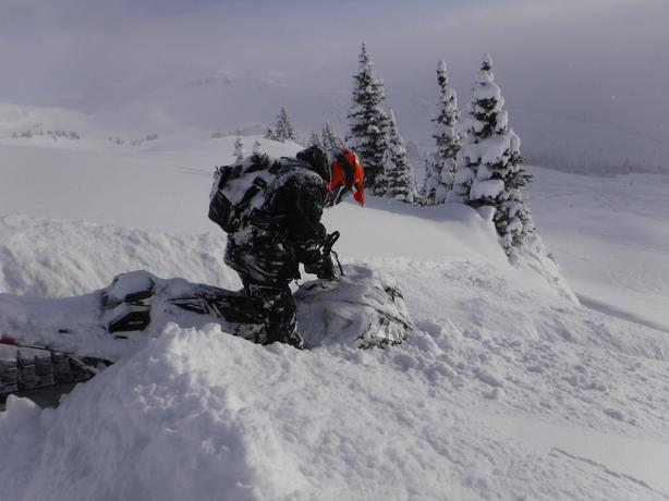 Well maintained 2013 Skidoo Summit-X 800 163 Always in an enclosed.