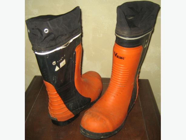 steel toed rubber boots with ice studs