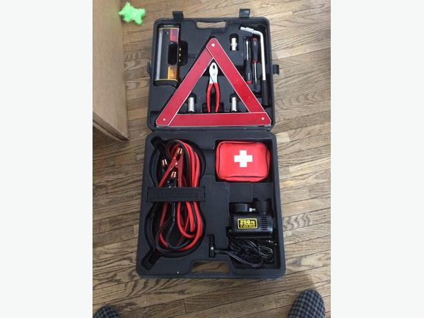 Road side emergency kit in a hard plastic carry case (complete)
