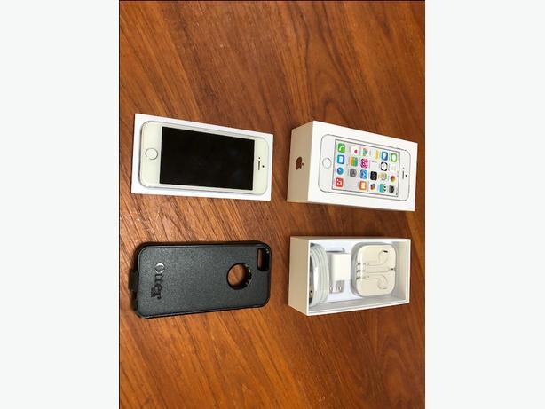 iPhone 5s 16gb Telus + Otter Case