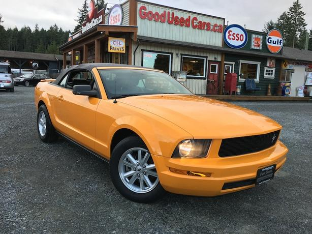2007 Ford Mustang V6 Convertible - Automatic & Leather with Only 75,000 KM!