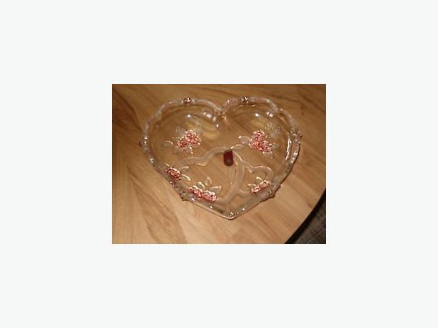 Mikasa a Germany glass  dish ,, valentine day