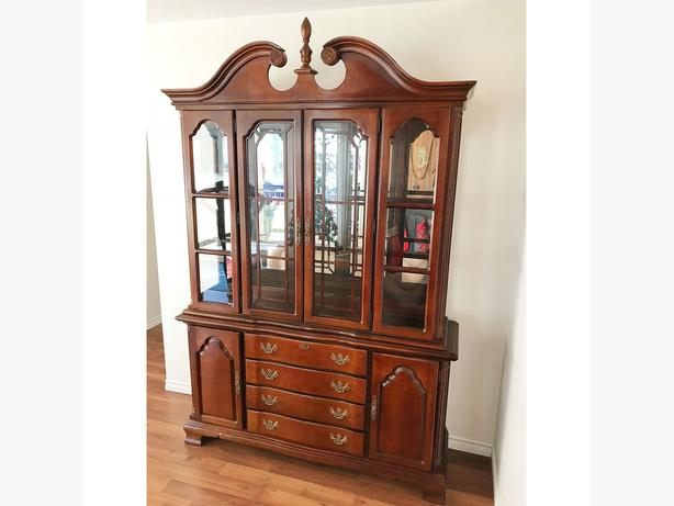 FREE To Collect Solid Wood Lighted China Cabinet / Hutch By Lexington