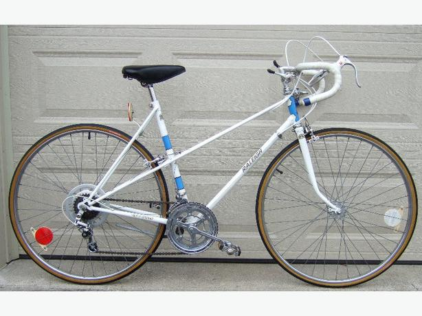 Raleigh Record 10-Speed Racer