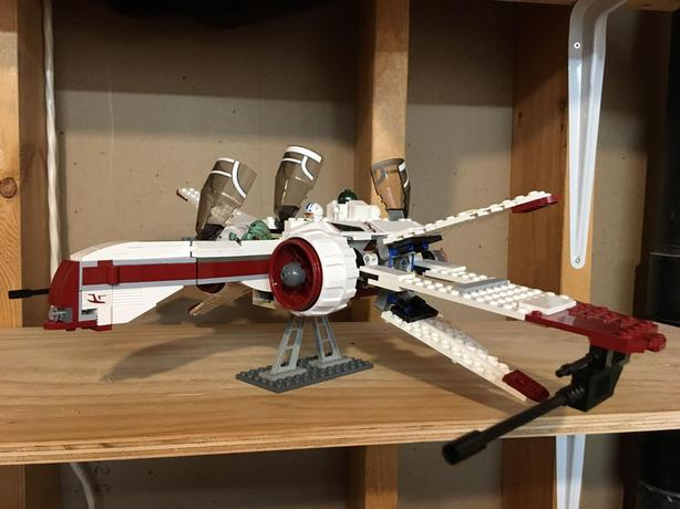 100% COMPLETE LEGO STAR WARS ARC-170 STARFIGHTER (8088) WITH ALL MINIFIGS.