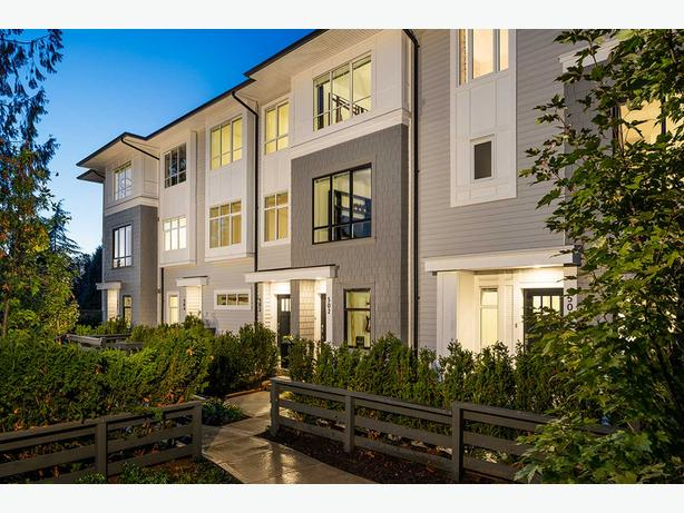 2 bed + den- Beautiful Brand New Townhome for Rent (Clayton Walk)