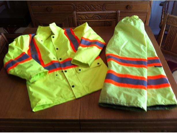 Safety jacket pant set