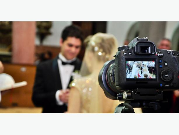 Kelowna Wedding Videos: Mike Burke videographer